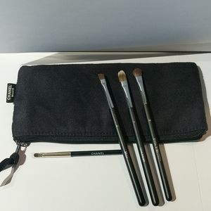 Chanel eyeshadow brushes with pouch.